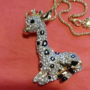 Adorable giraffe necklace NWT